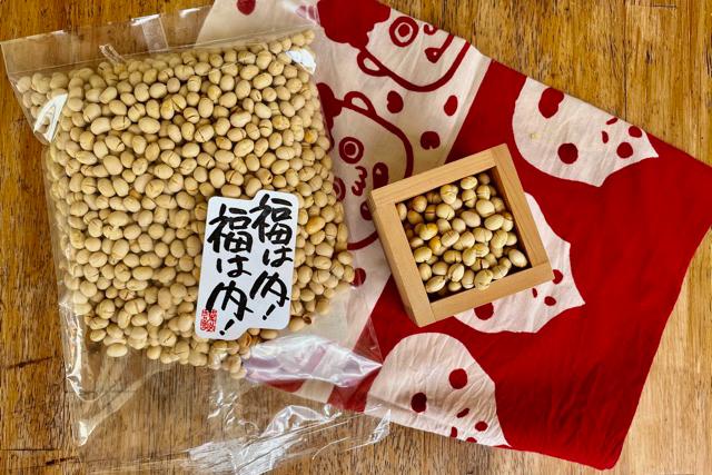 一合枡と大豆